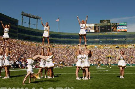 Green Bay Cheerleaders - Green Bay Packers Cheerleader