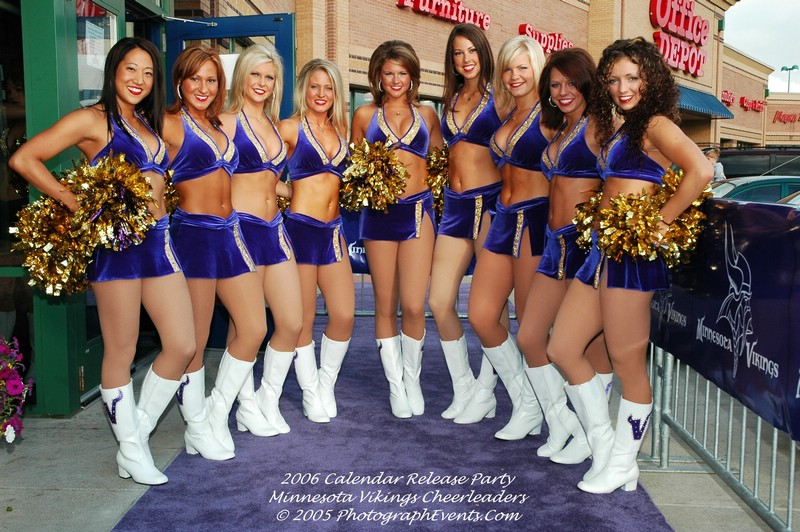 Minnesota Cheerleaders - Vikes Cheerleaders - Parkettes