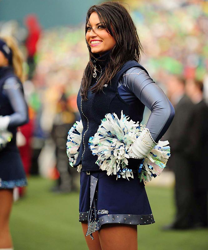 Seattle Seahawks Cheerleaders - Sea Gals Cheerleaders